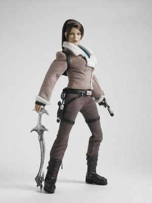 TOM RAIDER FIGURINE