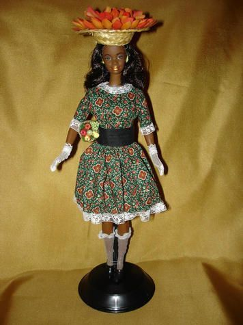 FIGURINE  BARBIE 43